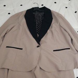Women's Tuxedo Suit